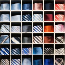 stropdas opgerold
